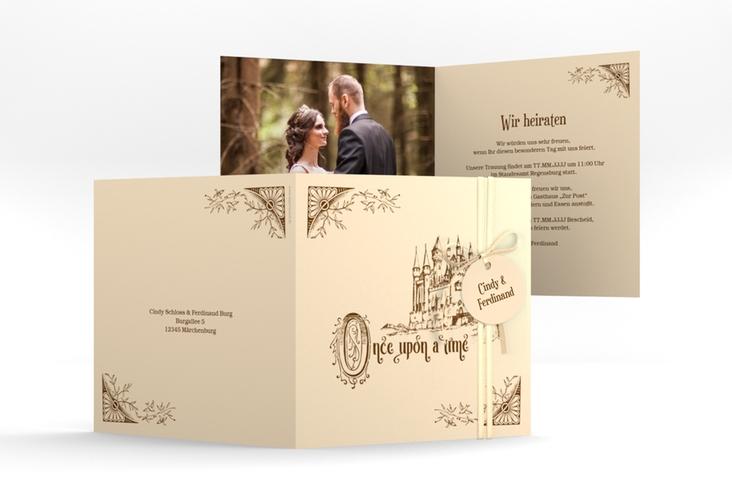 """Hochzeitseinladung """"Storybook"""" Quadratische Klappkarte beige"""
