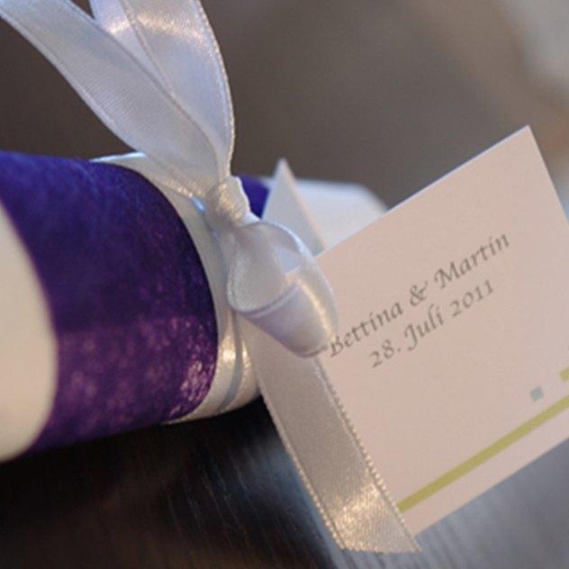 Serviettenbanderole mit Geschenkanhänger