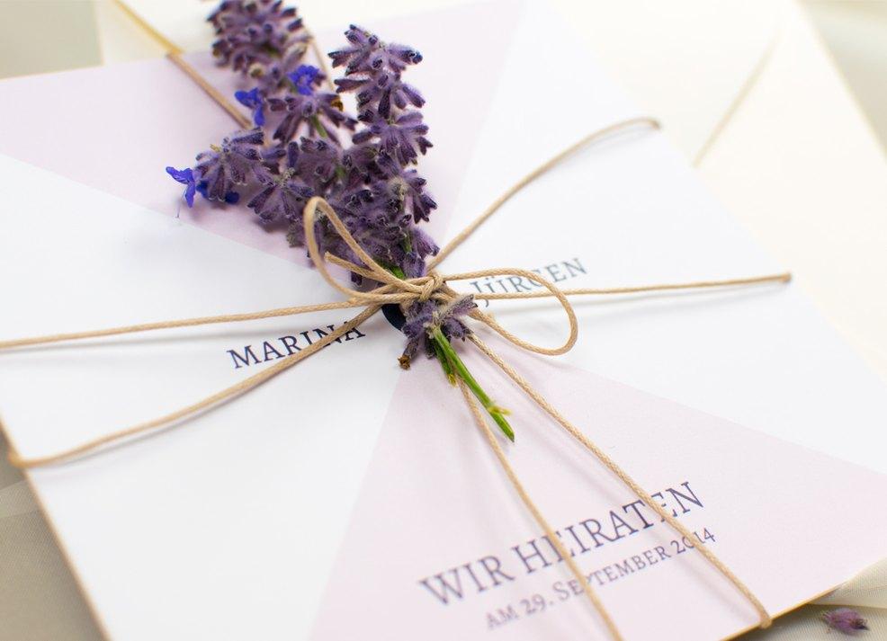 Liebliche Lavendel Deko Fur Die Hochzeitseinladung Myprintcard