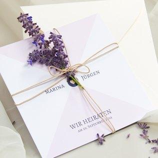 Hochzeitskarte mit Lavendel-Deko