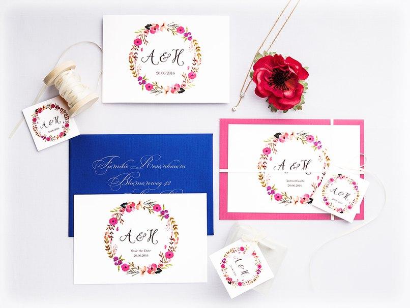 Bunte Blumen gehören bei diesem Motto auch auf die Hochzeitskarten