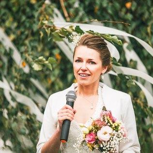 Egal ob Dankesrede oder Rede der Trauzeugen, eine Hochzeitsrede sollte immer ehrlich sein