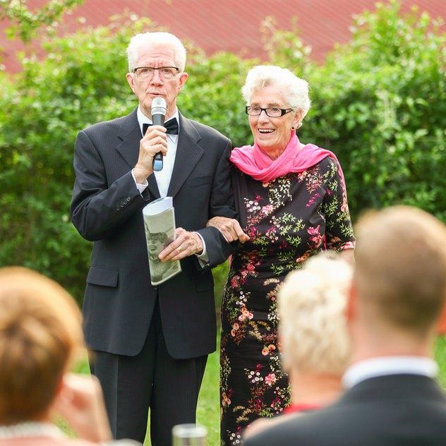 Der Brautvater eröffnet die Reihe der Hochzeitsreden