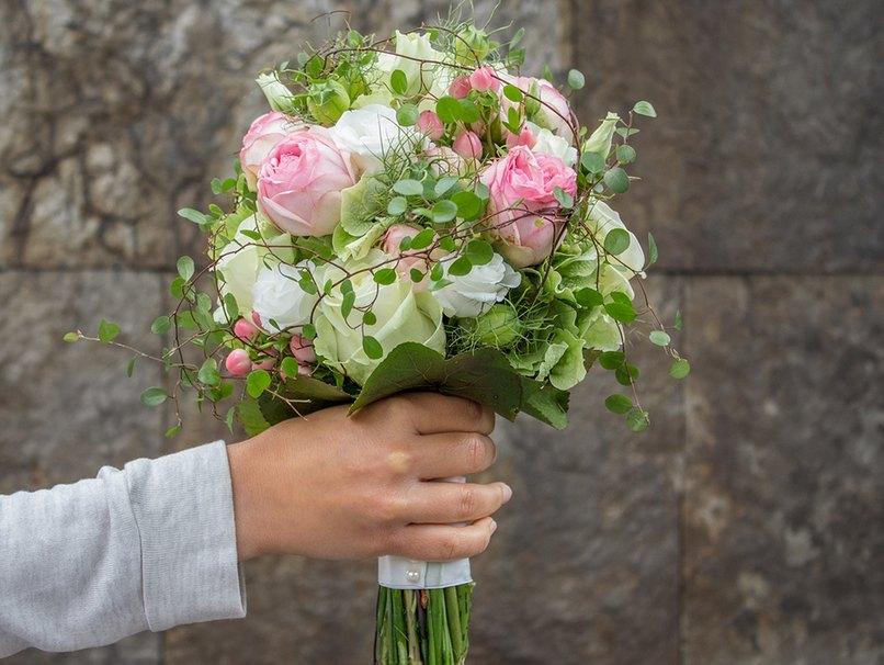 Blumen Fur Die Hochzeit So Findest Du Deinen Brautstrauss Myprintcard