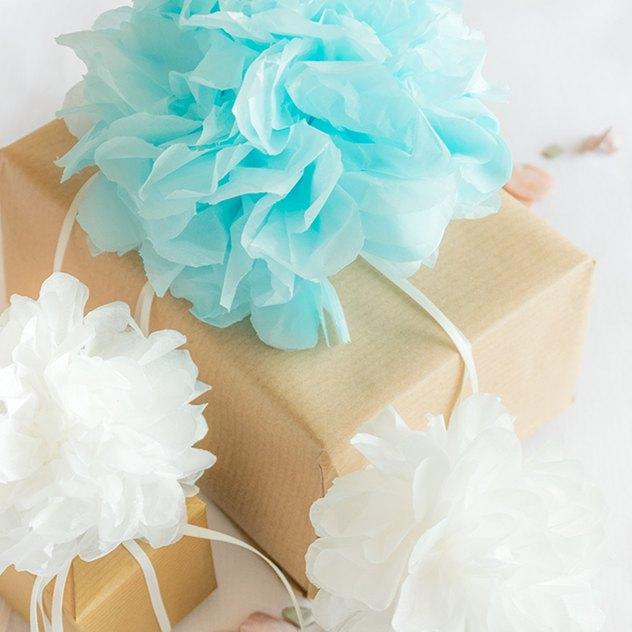 Hochzeitsdekoration mit Pompons