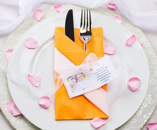 Die Bestecktasche ist eine beliebte Form für gefaltete Servietten