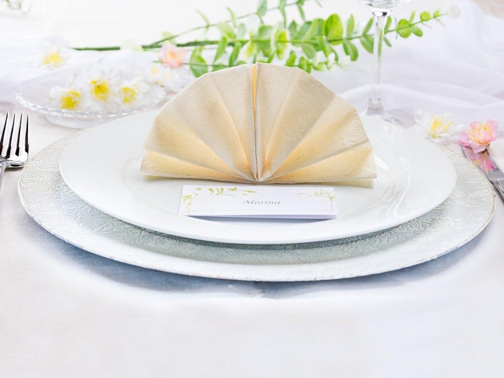 Was Gefaltete Servietten Mit Guten Tischmanieren Zutun Haben