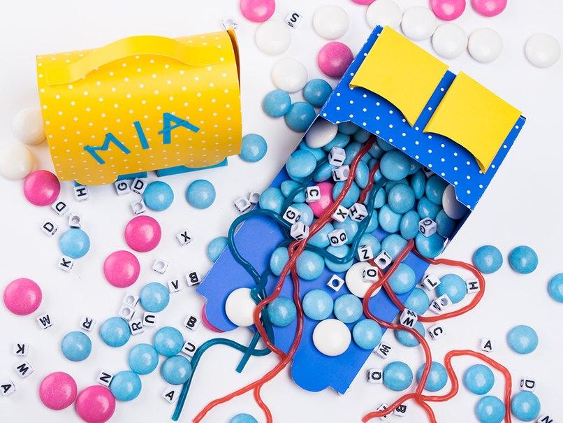 Mit Süßigkeiten gefüllt macht diese Bastelidee Freude zum Schulanfang