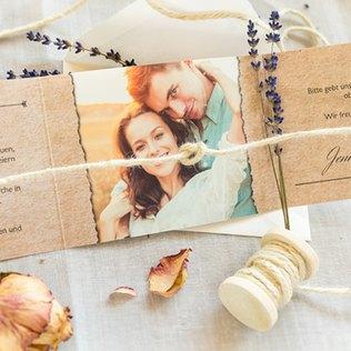 Hochzeitseinladungen mit Knoten-Verzierung