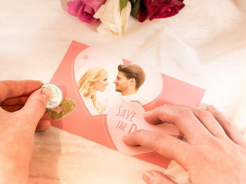 Was für eine Überraschung. Das Hochzeitsdatum versteckt sich auf der Rubbelkarte.