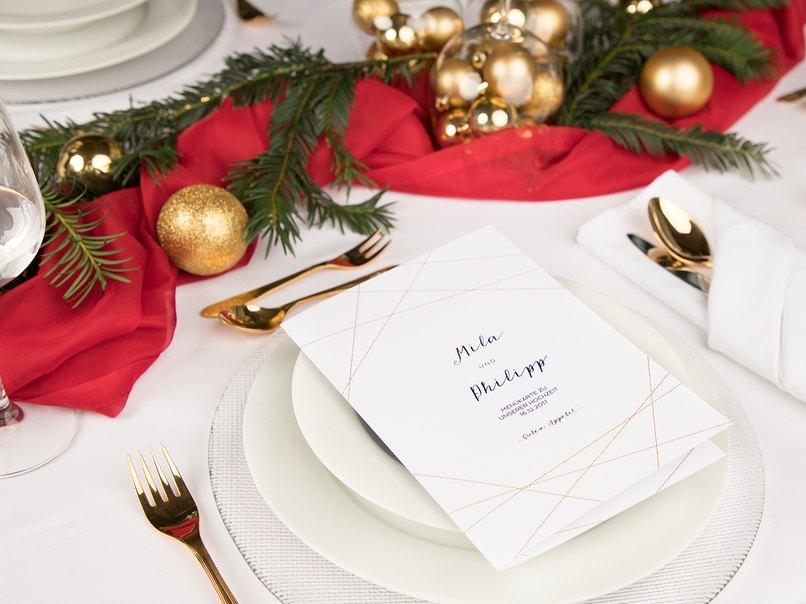 Schnelle Tischdeko zu Weihnachten in Rot und Gold – myprintcard